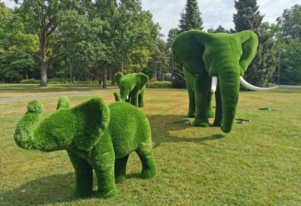 Pärnu rannaparki kolis elevandipere