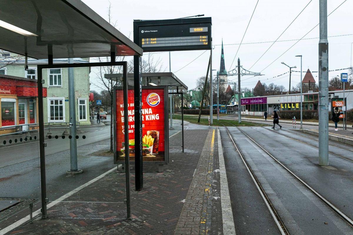Tallinn remondib poole miljoni euro eest septembriks 14 bussipeatust