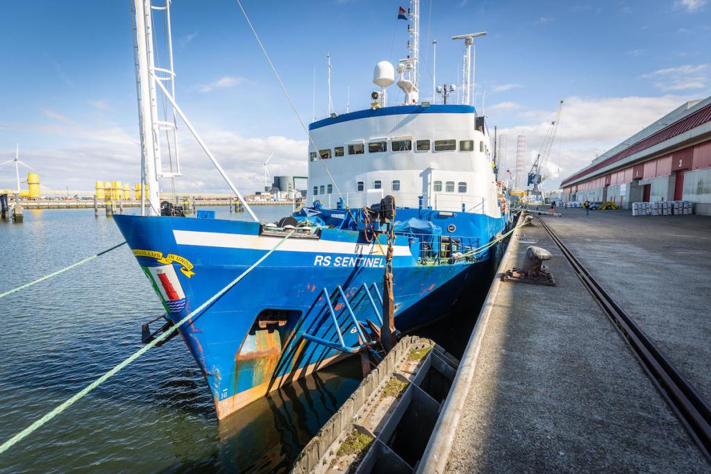 RS Sentineli lahkumine Eemshaveni sadamast