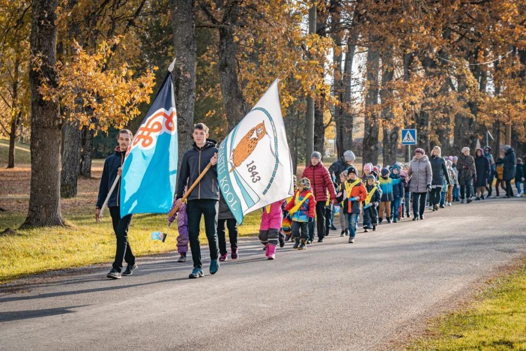 Mulgi nädala tähtsündmus: Mustlas tähistati Mulgimaa lipu päeva